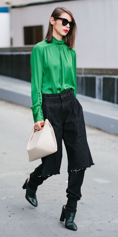 black-boyfriend-jeans-green-emerald-top-blouse-white-bag-black-shoe-booties-hairr-sun-lob-fall-winter-lunch.jpg