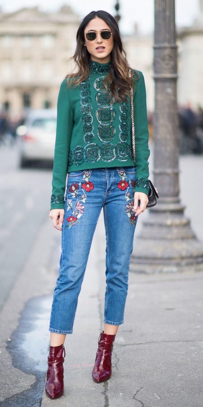 blue-med-skinny-jeans-embroidered-green-dark-top-hairr-black-bag-sun-burgundy-shoe-booties-fall-winter-lunch.jpg