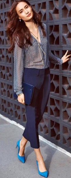 blue-navy-joggers-pants-blue-med-top-blouse-necklace-blue-bag-clutch-earrings-blue-shoe-pumps-wear-style-fashion-spring-summer-brun-dinner.jpg