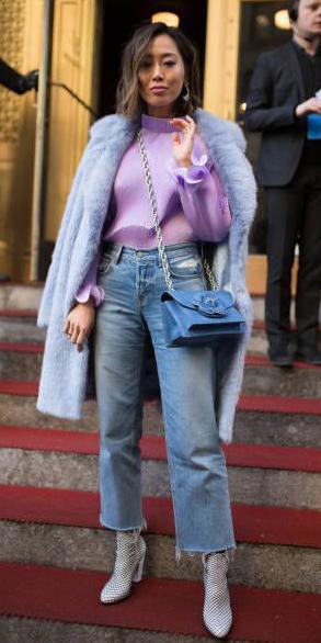 blue-crop-jeans-gray-shoe-booties-purple-light-top-blouse-blue-bag-blue-light-jacket-coat-brun-fall-winter-lunch.jpg