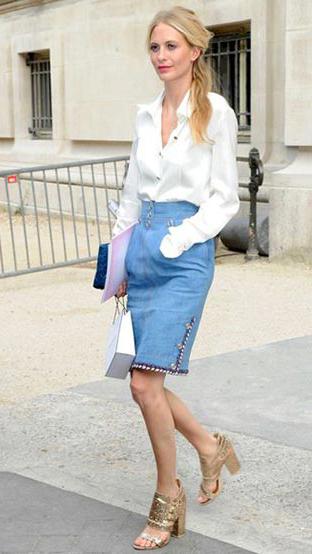 blue-light-pencil-skirt-white-top-blouse-howtowear-style-fashion-spring-summer-tan-shoe-sandalh-blonde-lunch.jpg