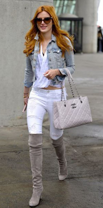 white-skinny-jeans-white-top-blouse-blue-light-jacket-jean-gray-shoe-boots-overknee-howtowear-style-fashion-spring-summer-bellathorne-white-bag-sun-hairr-lunch.jpg