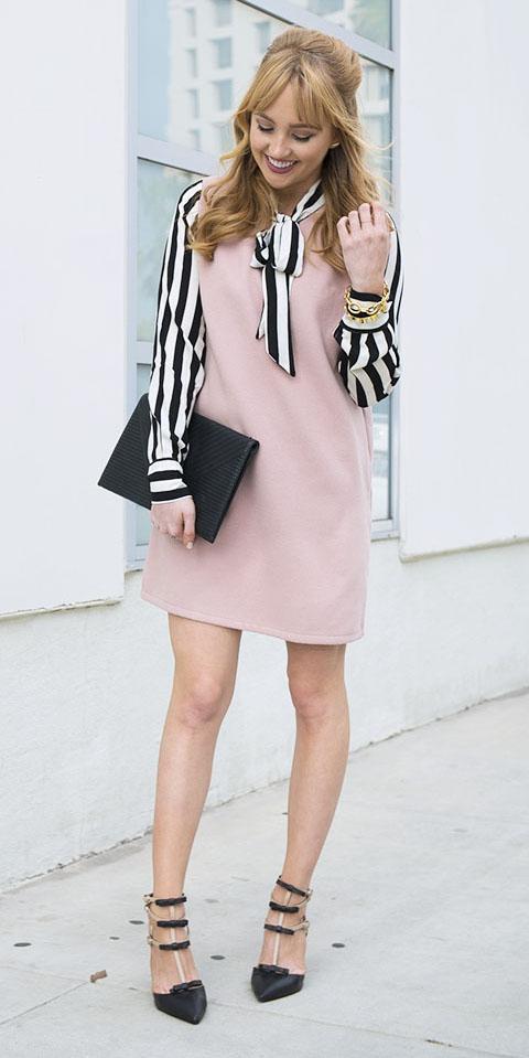 pink-light-dress-shift-layer-white-top-blouse-stripe-black-bag-clutch-black-shoe-pumps-hairr-spring-summer-lunch.jpg