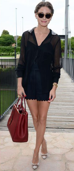 blue-navy-shorts-black-top-blouse-white-shoe-pumps-red-bag-bun-sun-oliviapalermo-howtowear-fashion-style-outfit-spring-summer-hairr-lunch.jpg