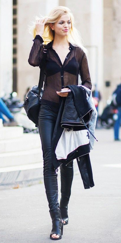 black-skinny-jeans-black-top-blouse-sheer-black-bralette-leather-black-shoe-sandalh-black-bag-howtowear-fashion-style-outfit-fall-winter-blonde-lunch.jpg