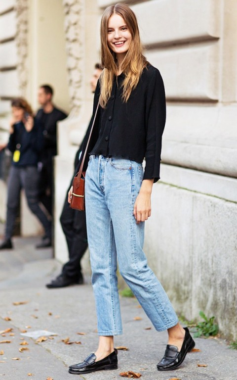 blue-light-boyfriend-jeans-black-top-blouse-brown-bag-black-shoe-loafers-howtowear-fashion-style-outfit-spring-summer-hairr-weekend.jpg