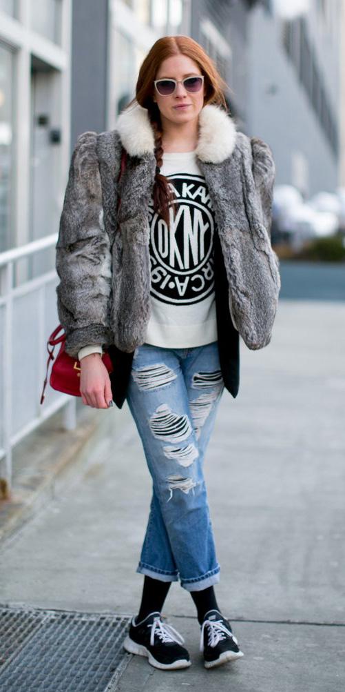 blue-light-boyfriend-jeans-red-bag-white-sweater-sweatshirt-sun-braid-black-tights-black-shoe-sneakers-grayl-jacket-coat-fur-fuzz-fall-winter-hairr-weekend.jpg