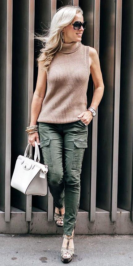 green-olive-skinny-jeans-cargo-tan-sweater-sleeveless-blonde-sun-white-bag-fall-winter-lunch.jpg