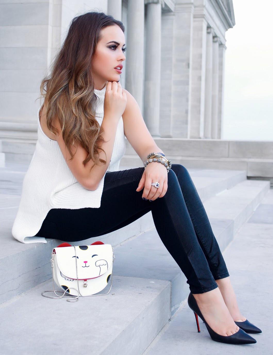 black-leggings-white-sweater-sleeveless-hairr-white-bag-black-shoe-pumps-fall-winter-dinner.JPG