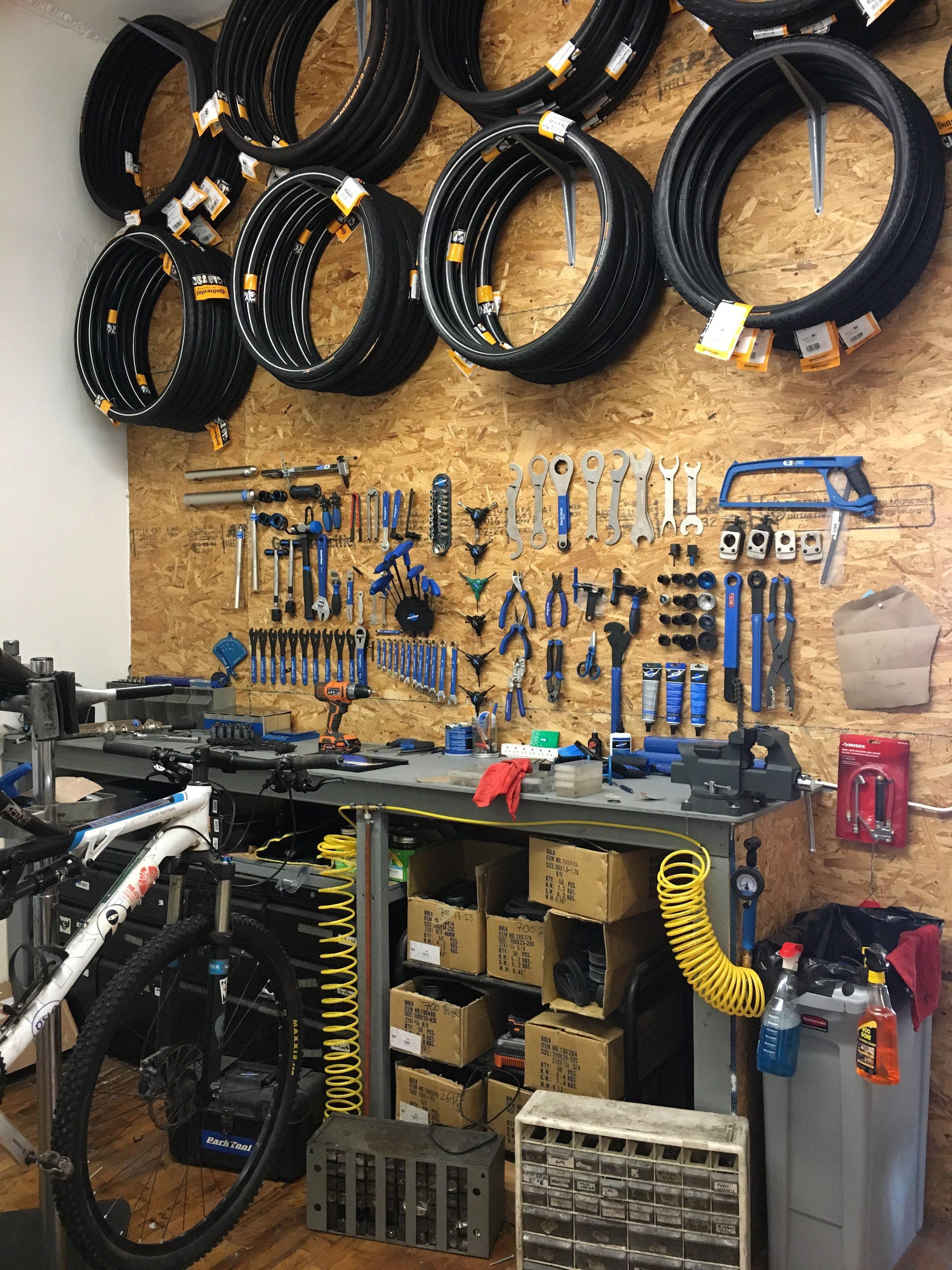 Sun and Air Williamsburg Brooklyn Bike shop maintenance bike repair