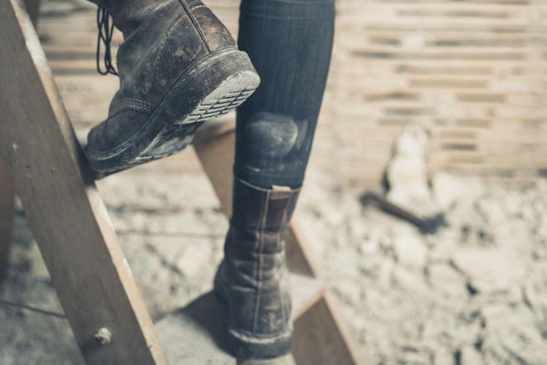 wedge-vs-heel-work-boots-comparison.jpg