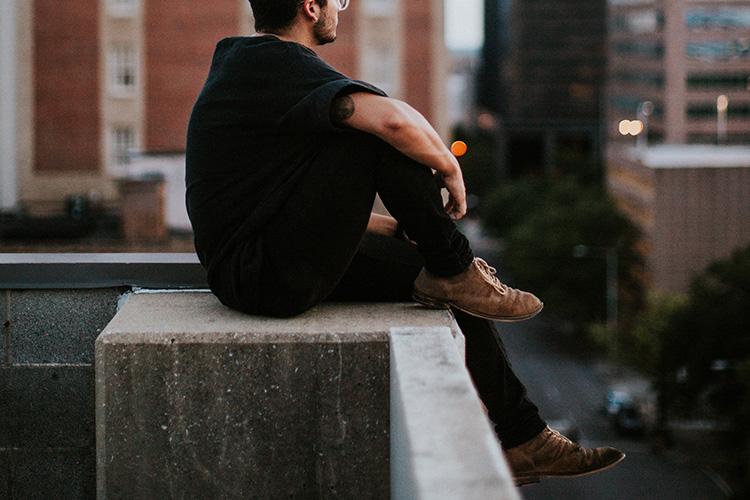 Man wearing chukka boots - What makes a comfortable chukka boot?