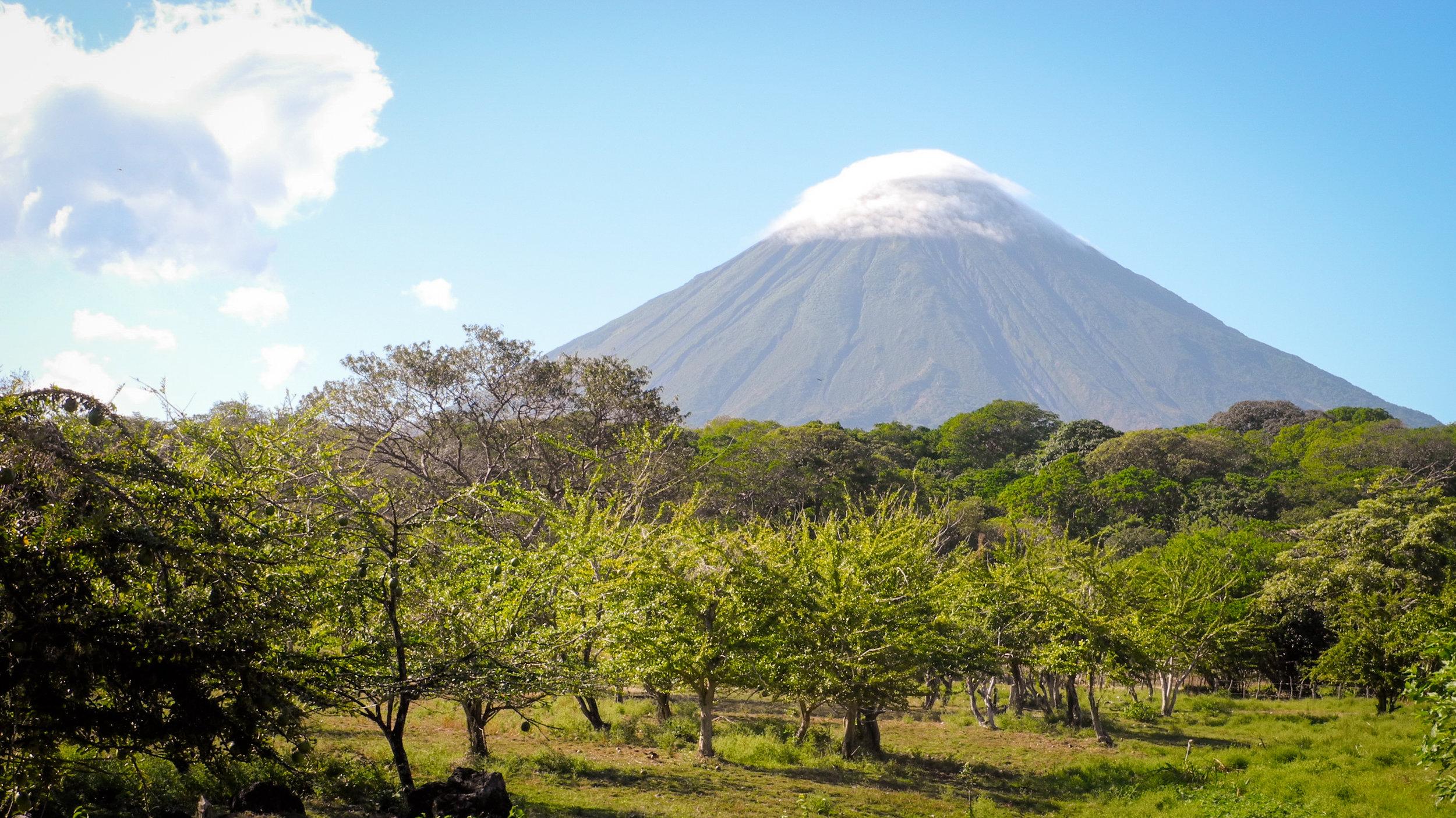 Concepcion_volcano_in_Nicaragua_2012.jpg
