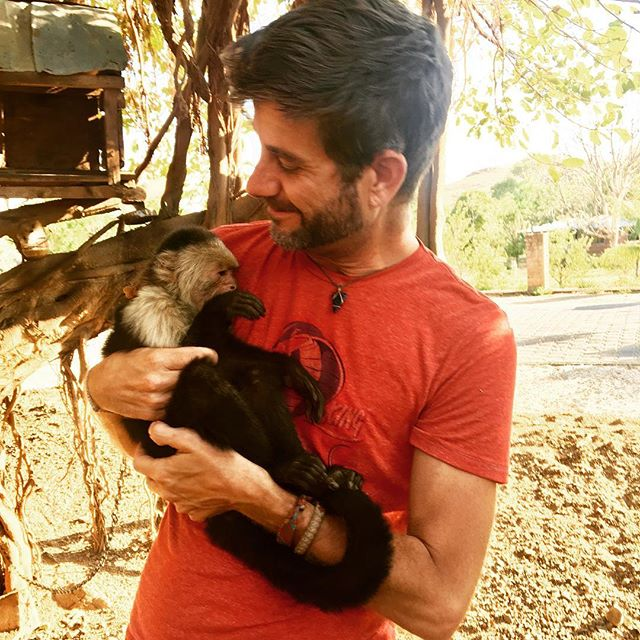 Finally got to hold a monkey and he stole my sunglasses! LOL  #mesasostenible #monkey #nicaragua