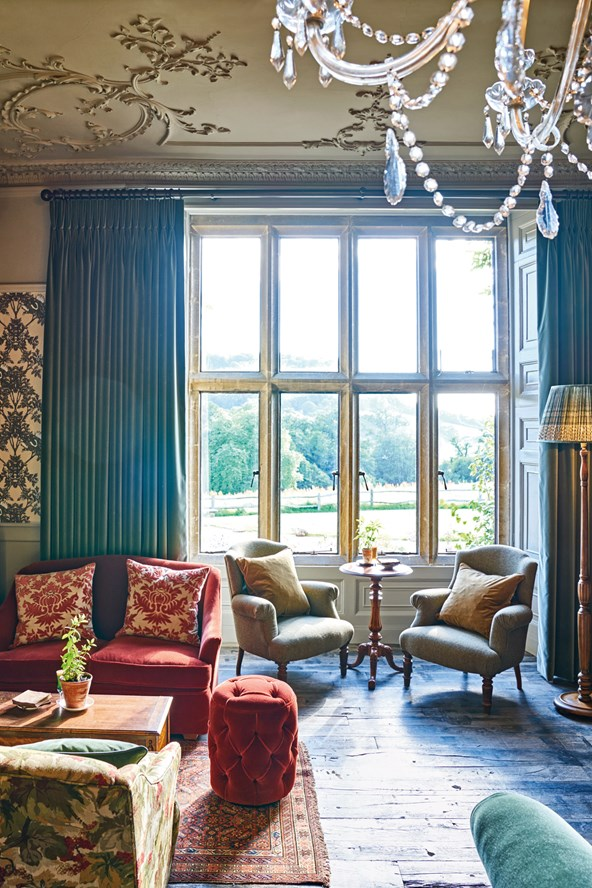 The Pig at Combe.drawing Room.jpg