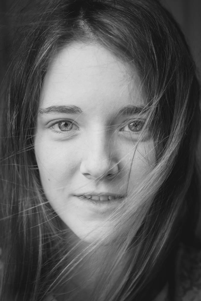portrait-young-girl-black-white-cuffley-hertfordshire.jpg
