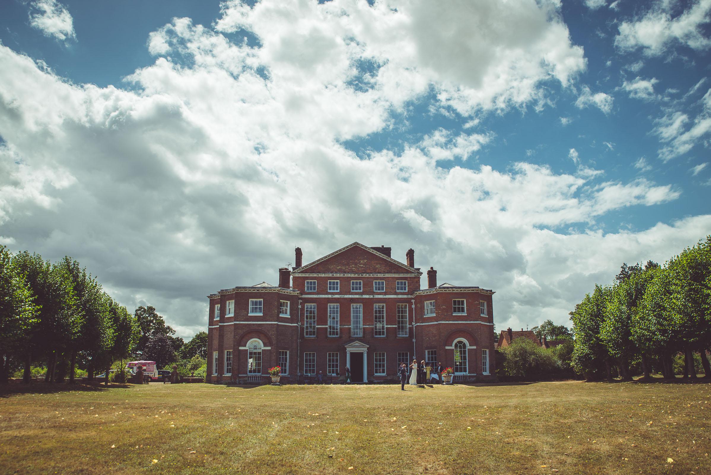 Hitchin_wedding_St_Pauls_Waldenbury_Royston_Wedding_Photographer-25.jpg