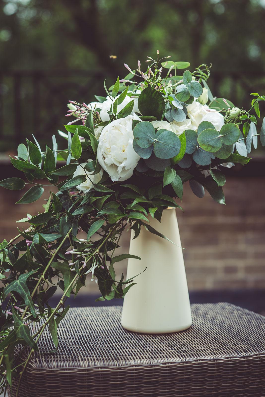 Lutonhoo-wedding-Bedfordshire-Datchworth-Tewinburyfarm-3.jpg