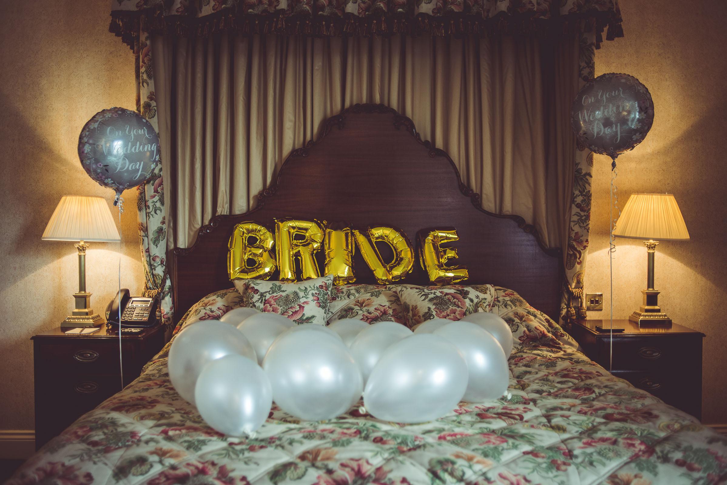 Lutonhoo-wedding-Bedfordshire-Datchworth-Tewinburyfarm-2.jpg
