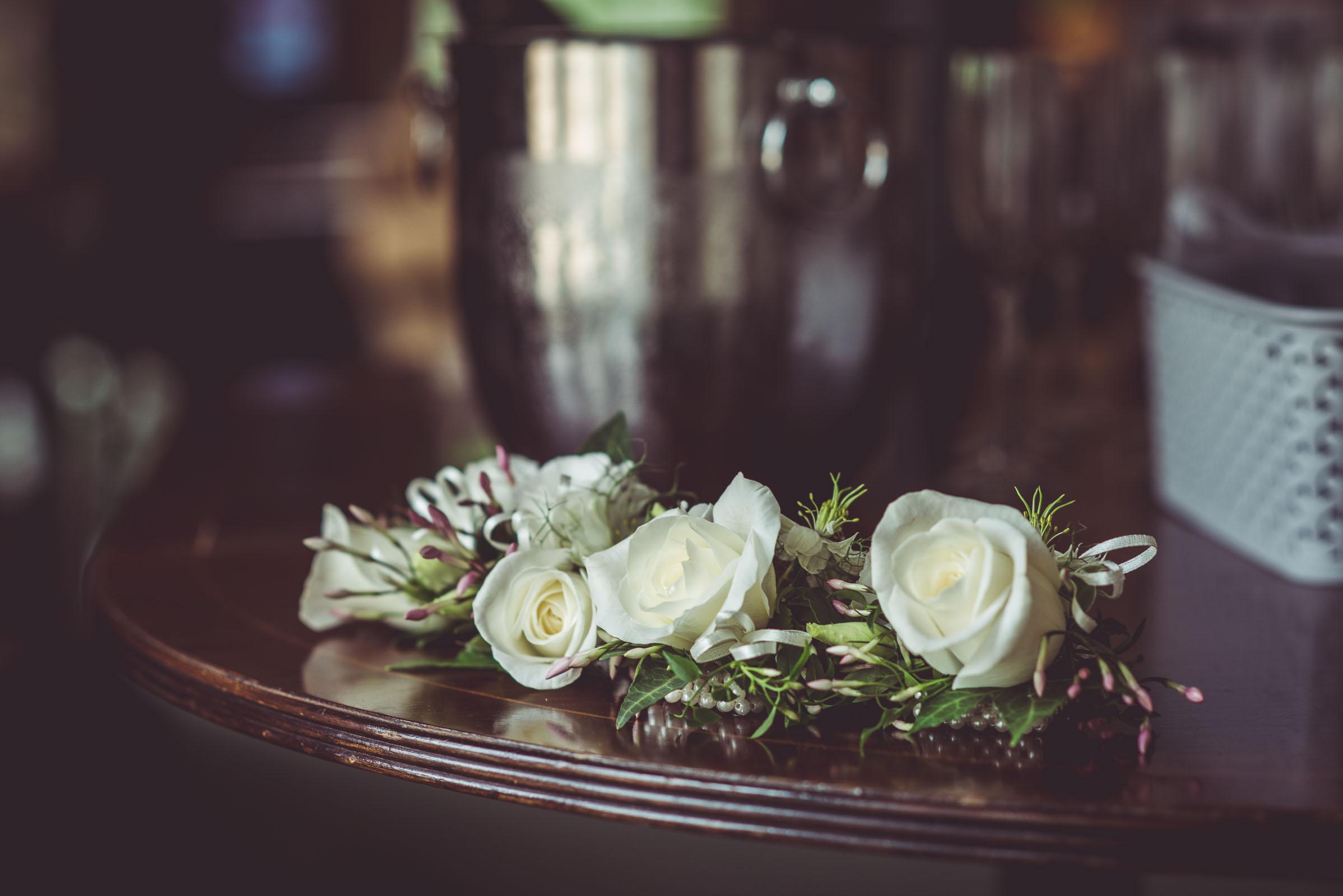 Lutonhoo-wedding-Bedfordshire-Datchworth-Tewinburyfarm-10.jpg
