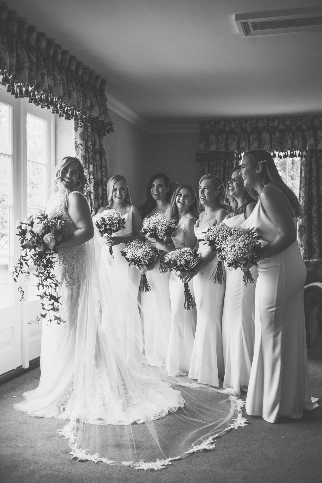 Lutonhoo-wedding-Bedfordshire-Datchworth-Tewinburyfarm-17.jpg