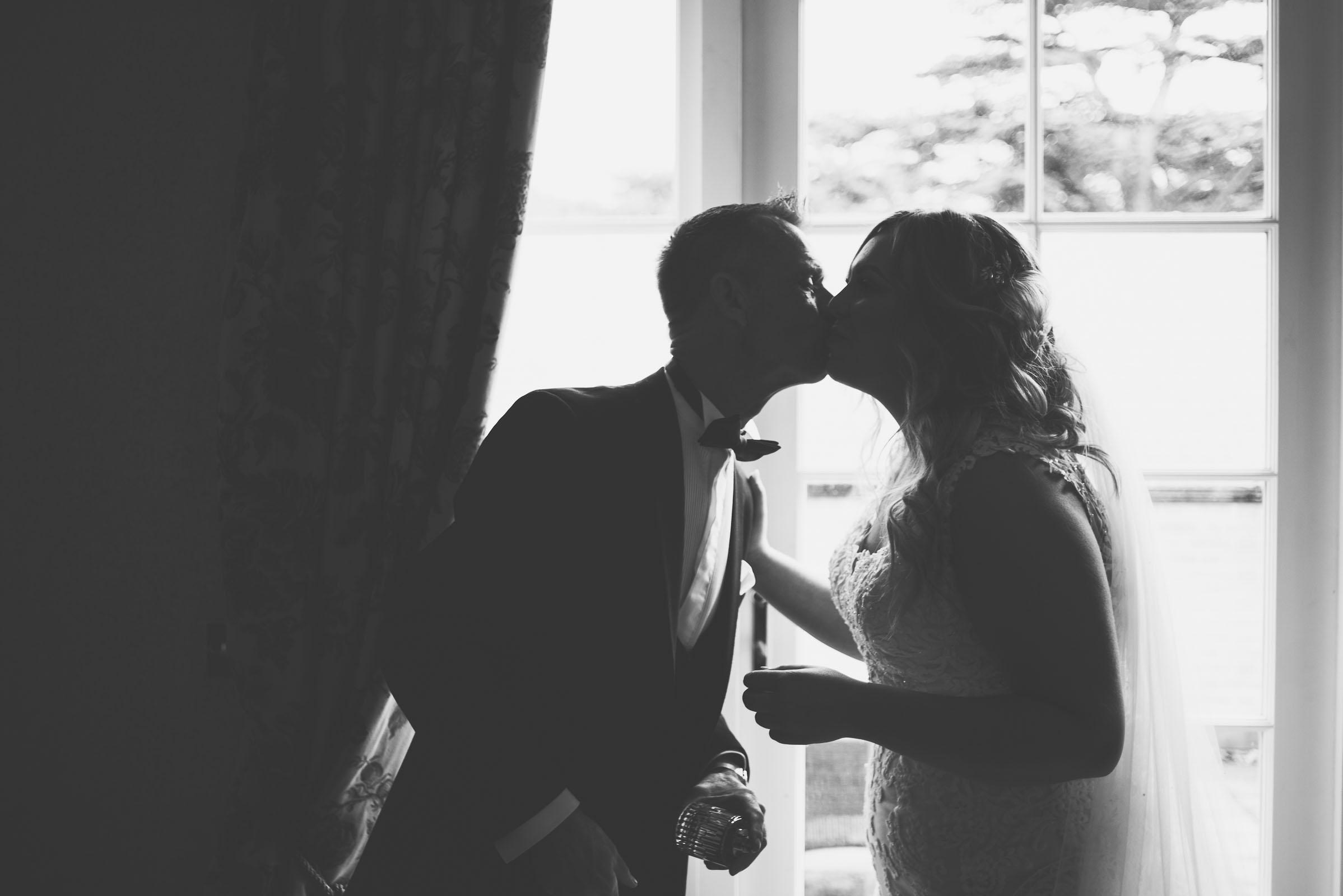 Lutonhoo-wedding-Bedfordshire-Datchworth-Tewinburyfarm-21.jpg