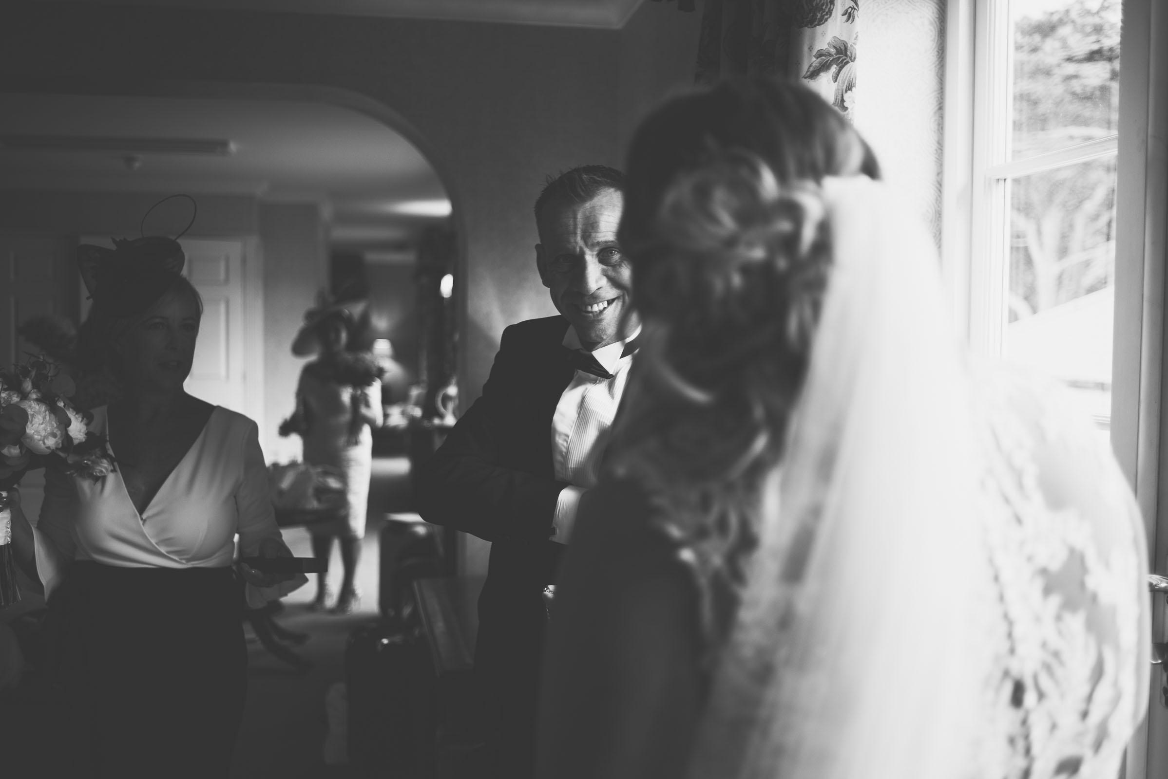 Lutonhoo-wedding-Bedfordshire-Datchworth-Tewinburyfarm-22.jpg