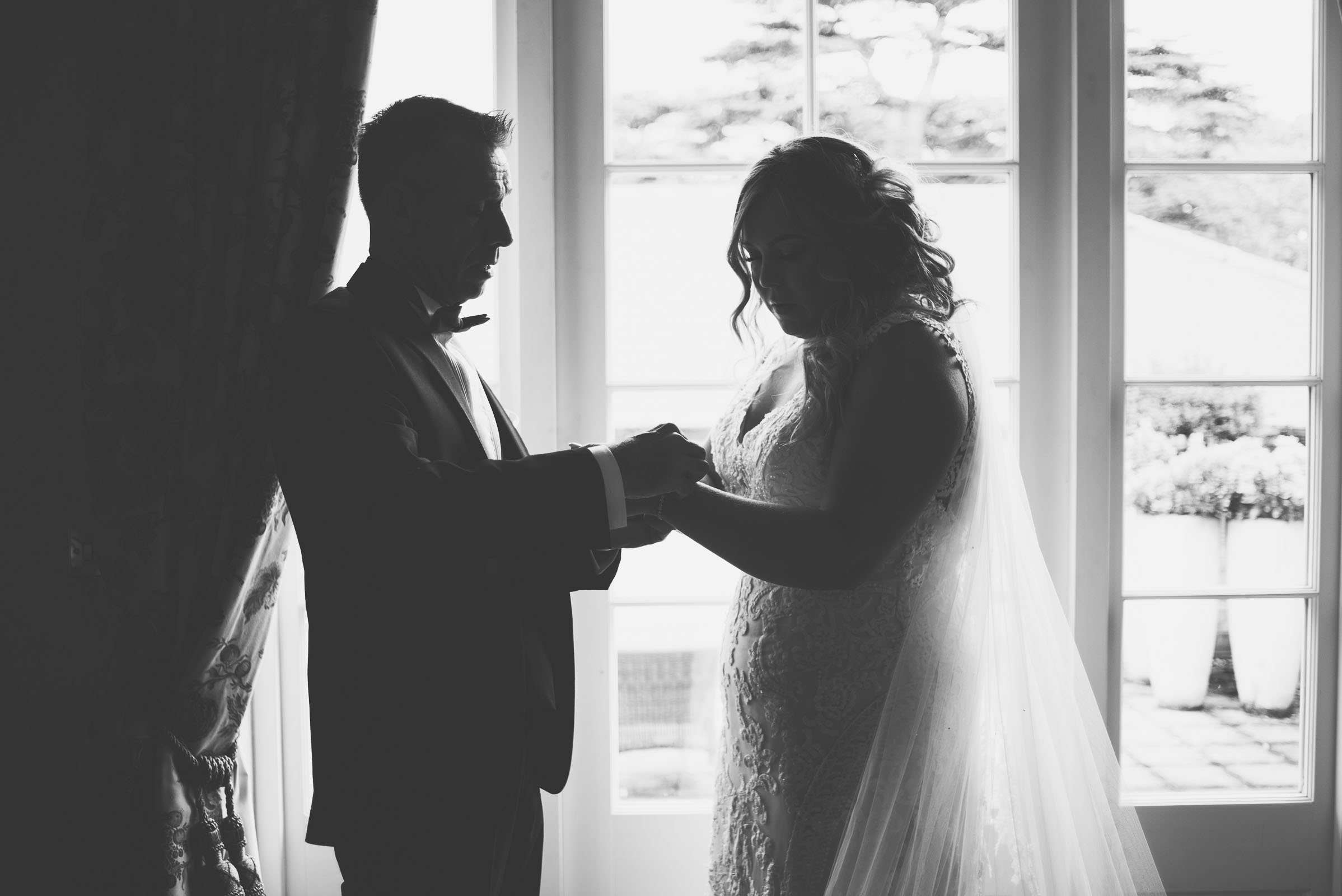 Lutonhoo-wedding-Bedfordshire-Datchworth-Tewinburyfarm-23.jpg