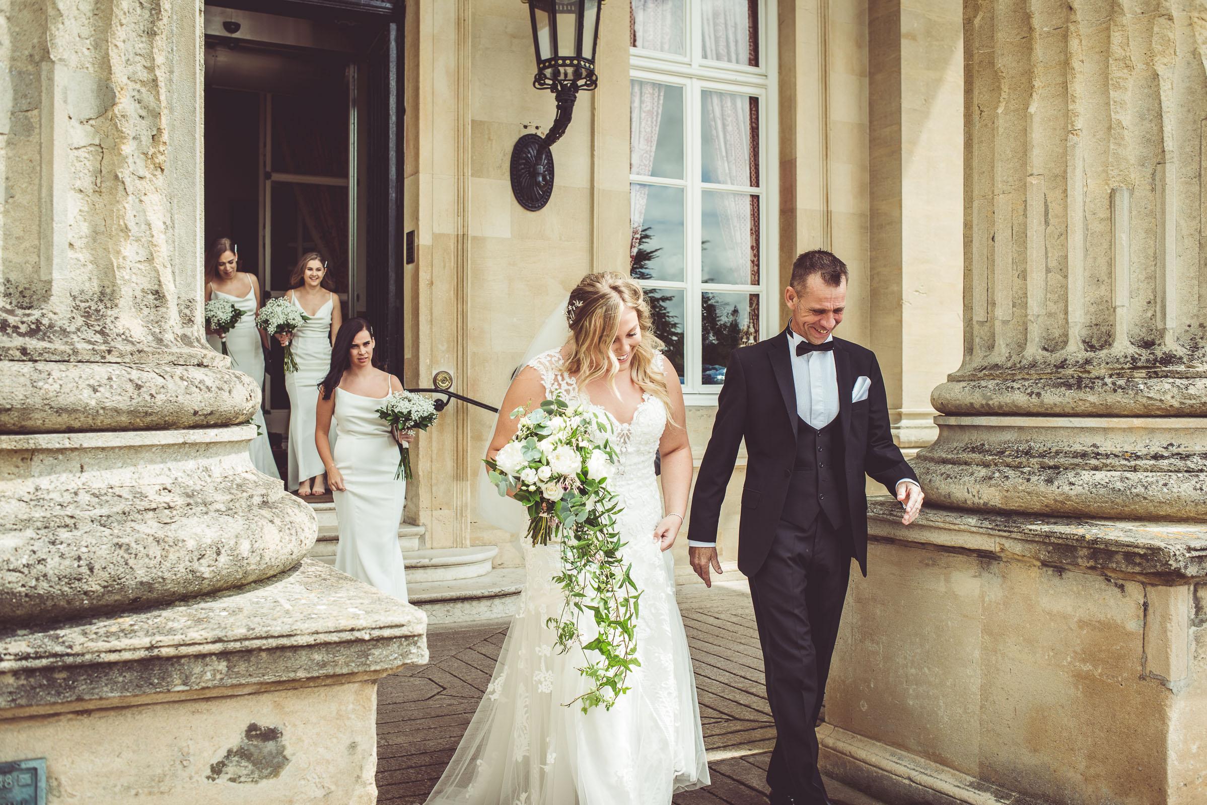 Lutonhoo-wedding-Bedfordshire-Datchworth-Tewinburyfarm-29.jpg
