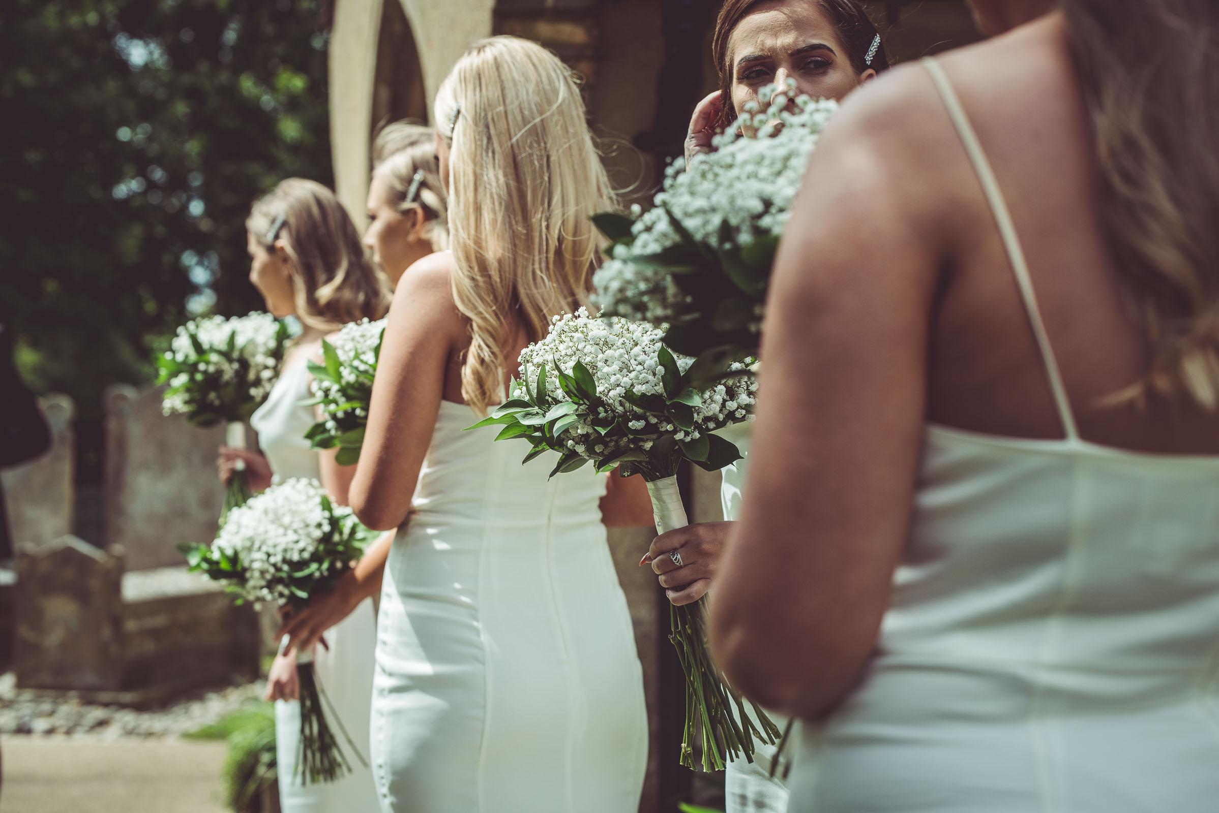 Lutonhoo-wedding-Bedfordshire-Datchworth-Tewinburyfarm-33.jpg