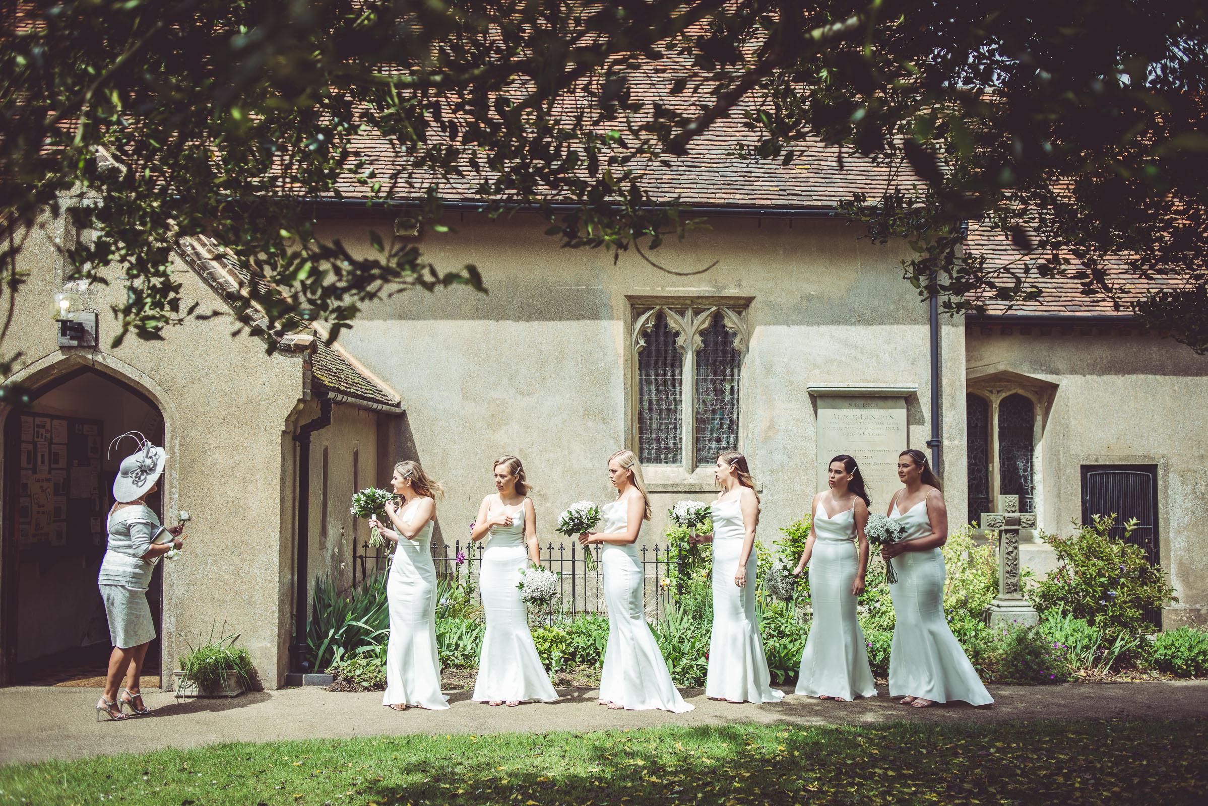Lutonhoo-wedding-Bedfordshire-Datchworth-Tewinburyfarm-31.jpg
