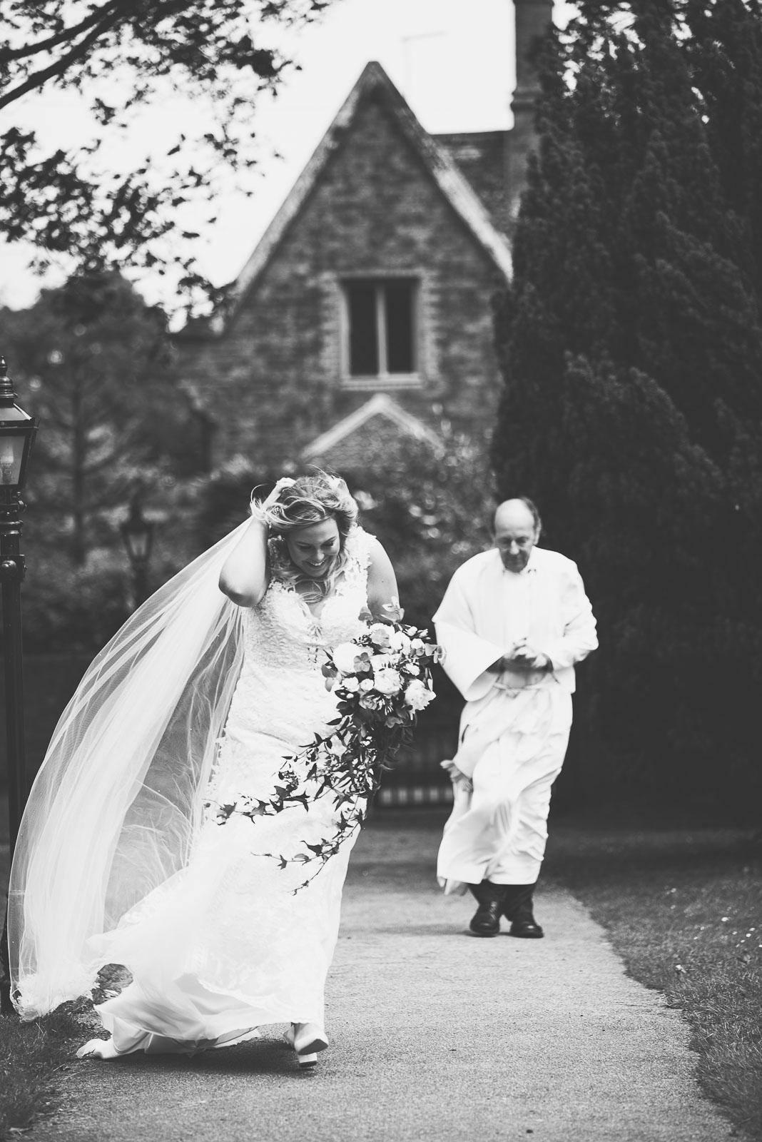 Lutonhoo-wedding-Bedfordshire-Datchworth-Tewinburyfarm-36.jpg