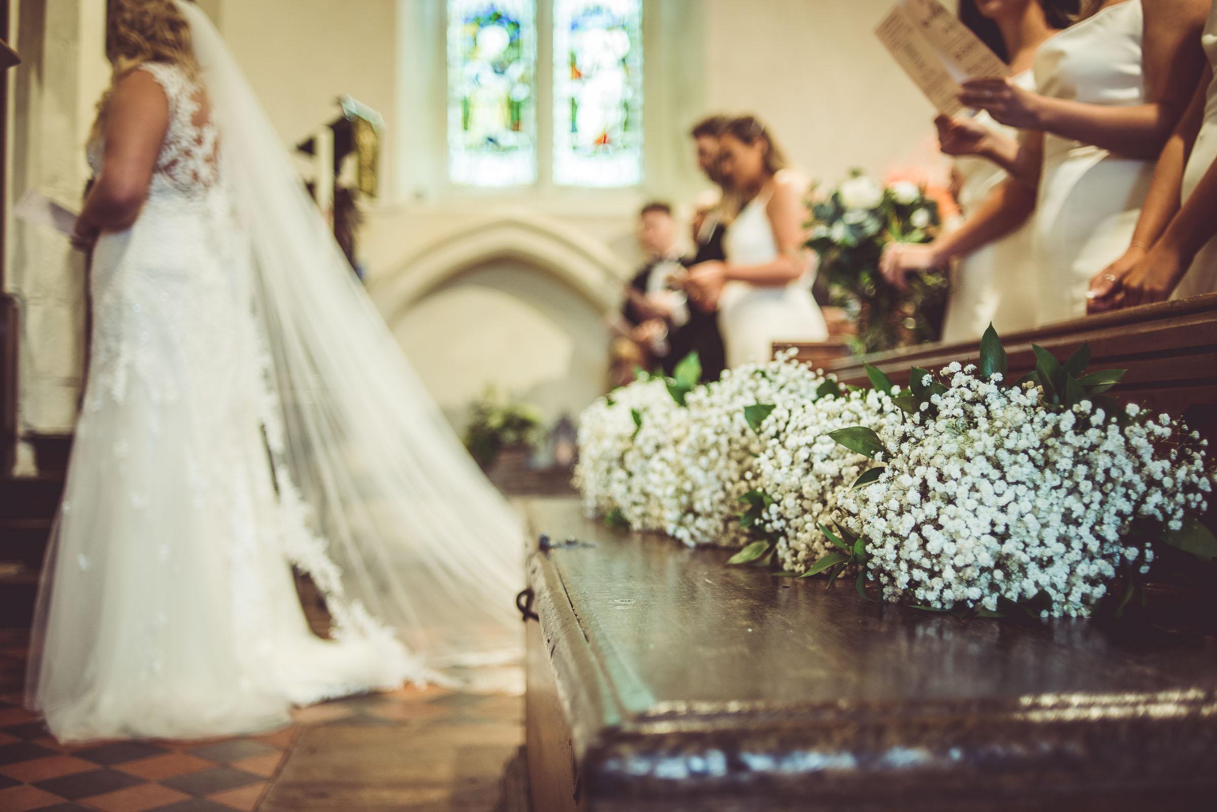 Lutonhoo-wedding-Bedfordshire-Datchworth-Tewinburyfarm-43.jpg