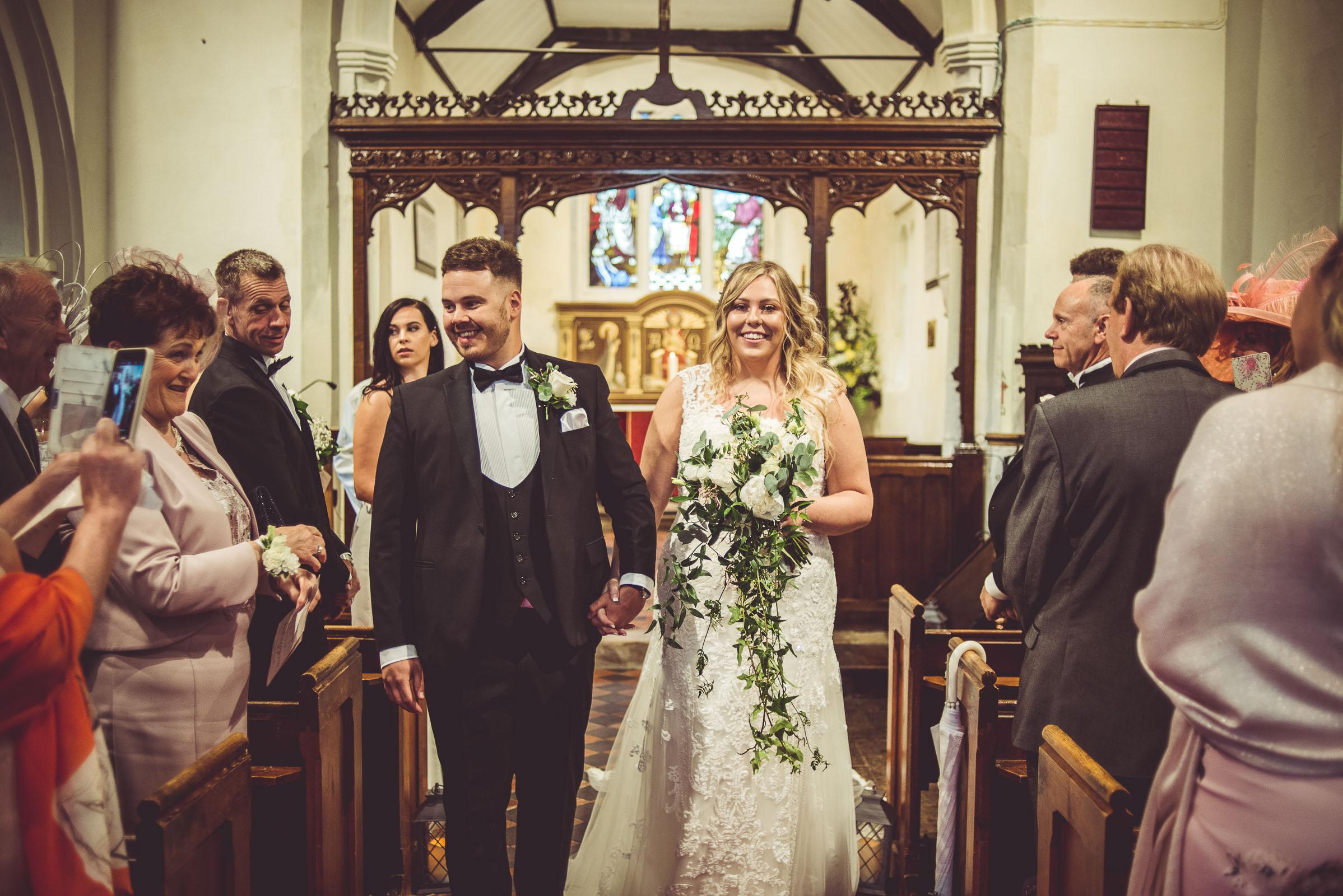 Lutonhoo-wedding-Bedfordshire-Datchworth-Tewinburyfarm-44.jpg