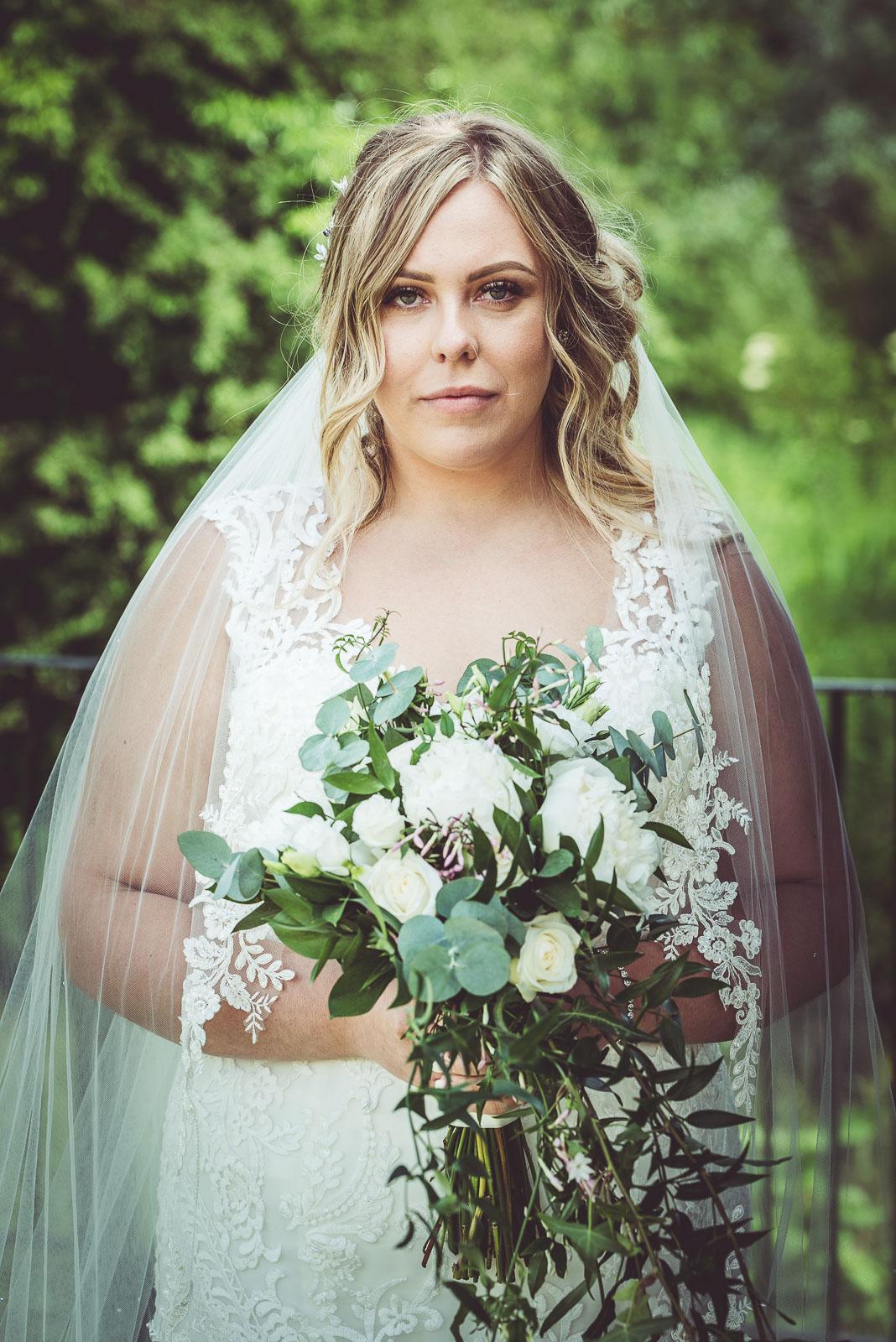 Lutonhoo-wedding-Bedfordshire-Datchworth-Tewinburyfarm-58.jpg