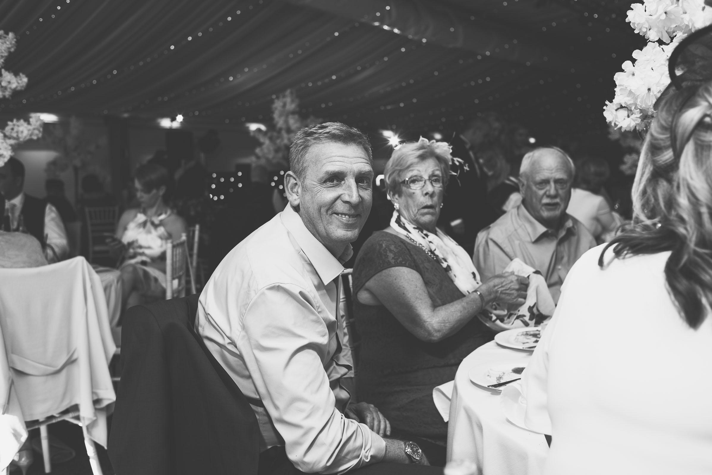 Lutonhoo-wedding-Bedfordshire-Datchworth-Tewinburyfarm-74.jpg
