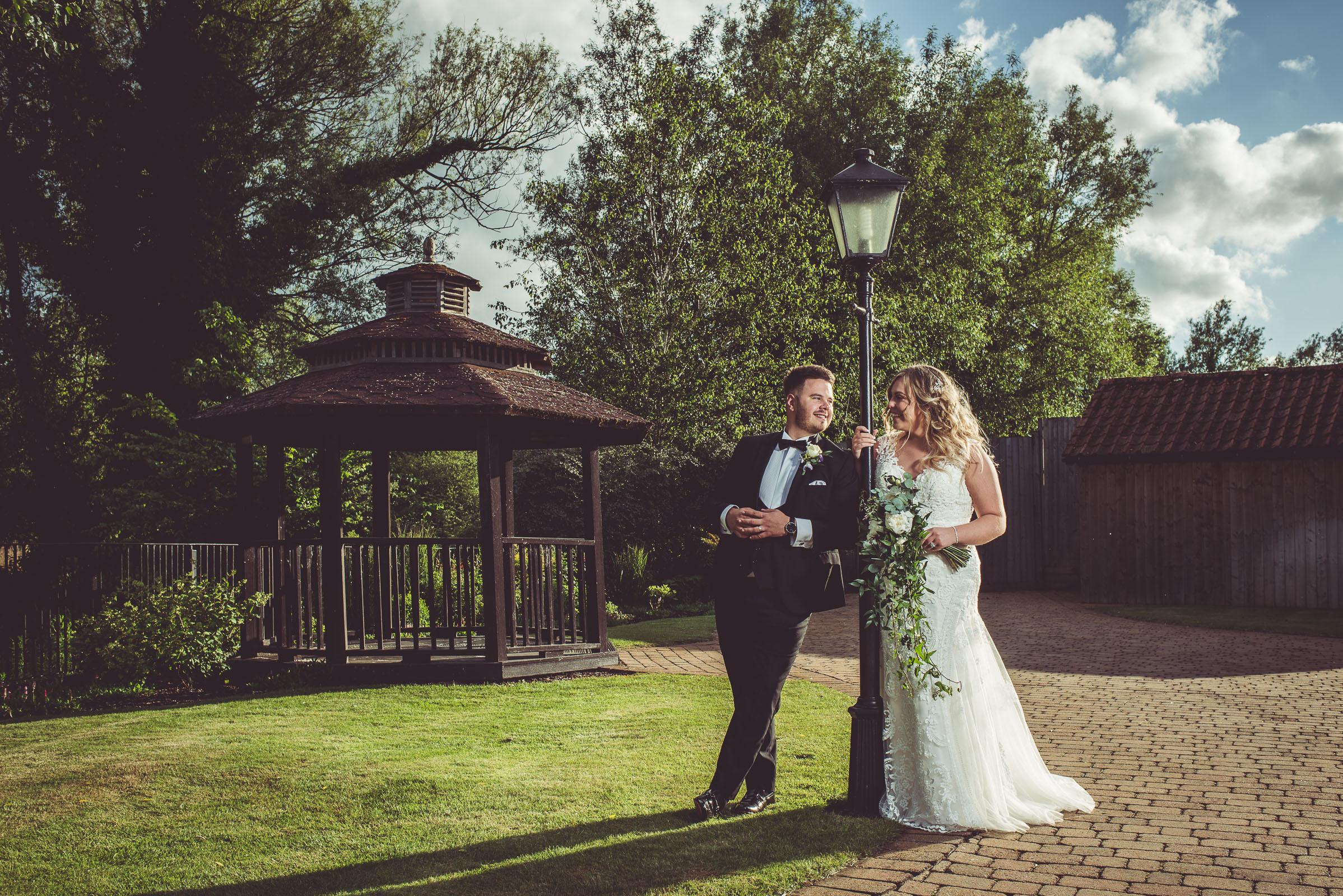 Lutonhoo-wedding-Bedfordshire-Datchworth-Tewinburyfarm-76.jpg