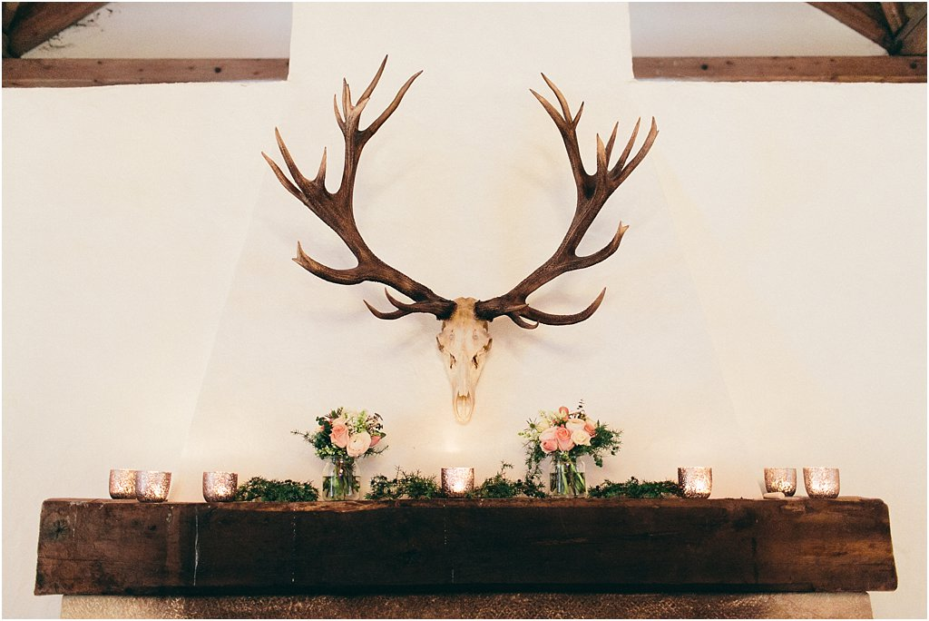 Maisenburg Geweih Kamin Dekoration