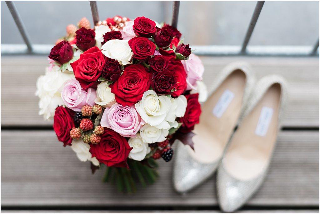 Brautstrauß Rosen Bordeaux