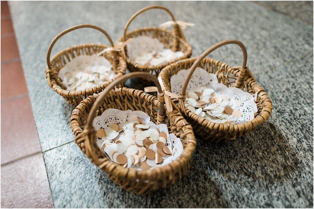 Blumenkinderkörbe mit Konfetti