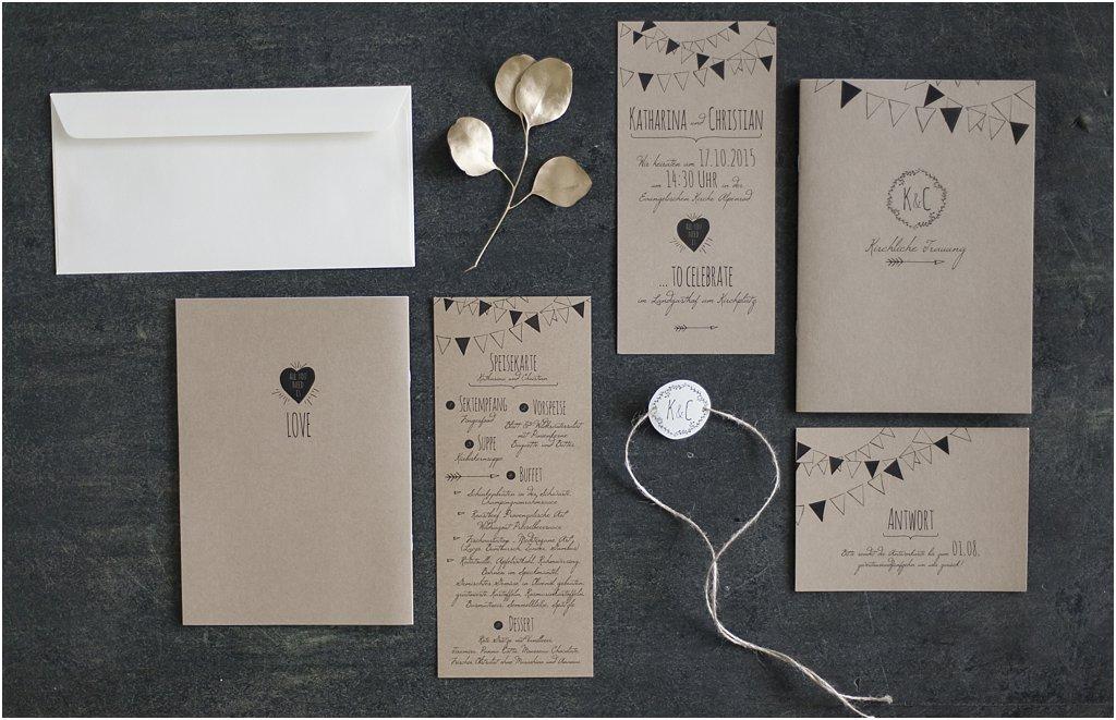 Papeterie-Set aus Einladung und Antwortkarte, Kirchenheft, Menükarte, Anhänger