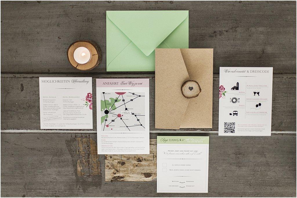 Pocketeinladung geschlossen mit 4 Einsteckkarten und grünem Briefumschlag