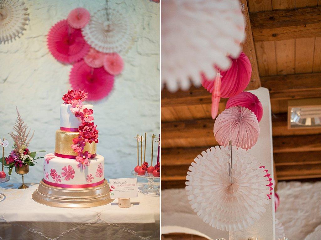 Hochzeitstorte Beerentöne Pink Gold
