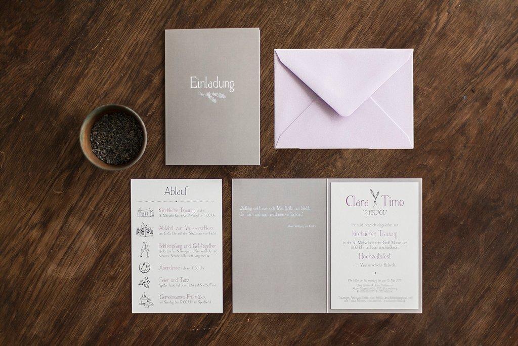 Lavendel Hochzeitseinladung als Klappkarte und mit Einlegeblatt