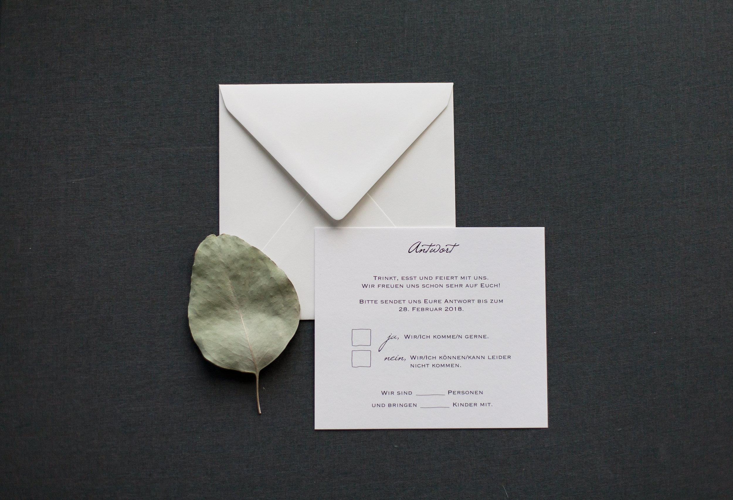 Antwortkarte mit passendem Briefumschlag
