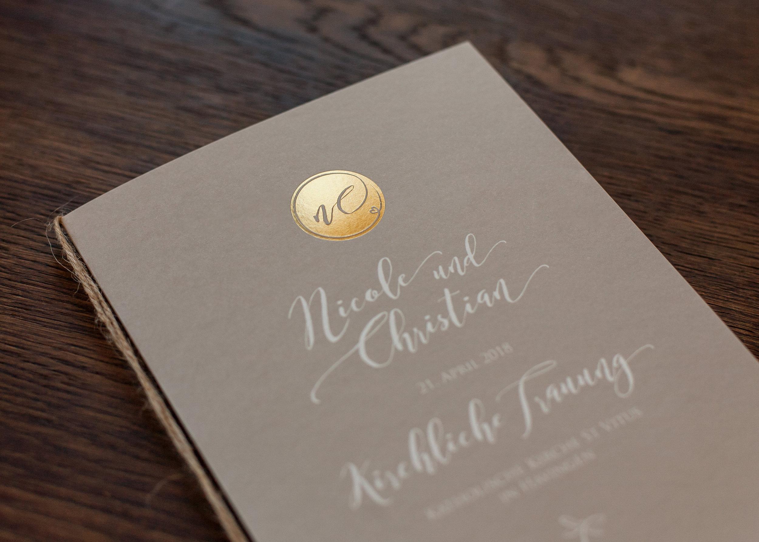 Detailansicht Kirchenheftumschlag, Goldprägung, Heißfolienprägung Gold