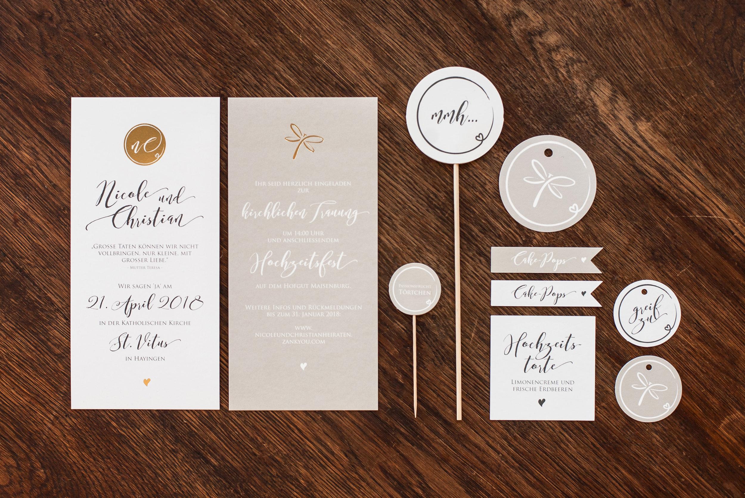 Einladung mit Goldveredelung und Candytable Papeterie