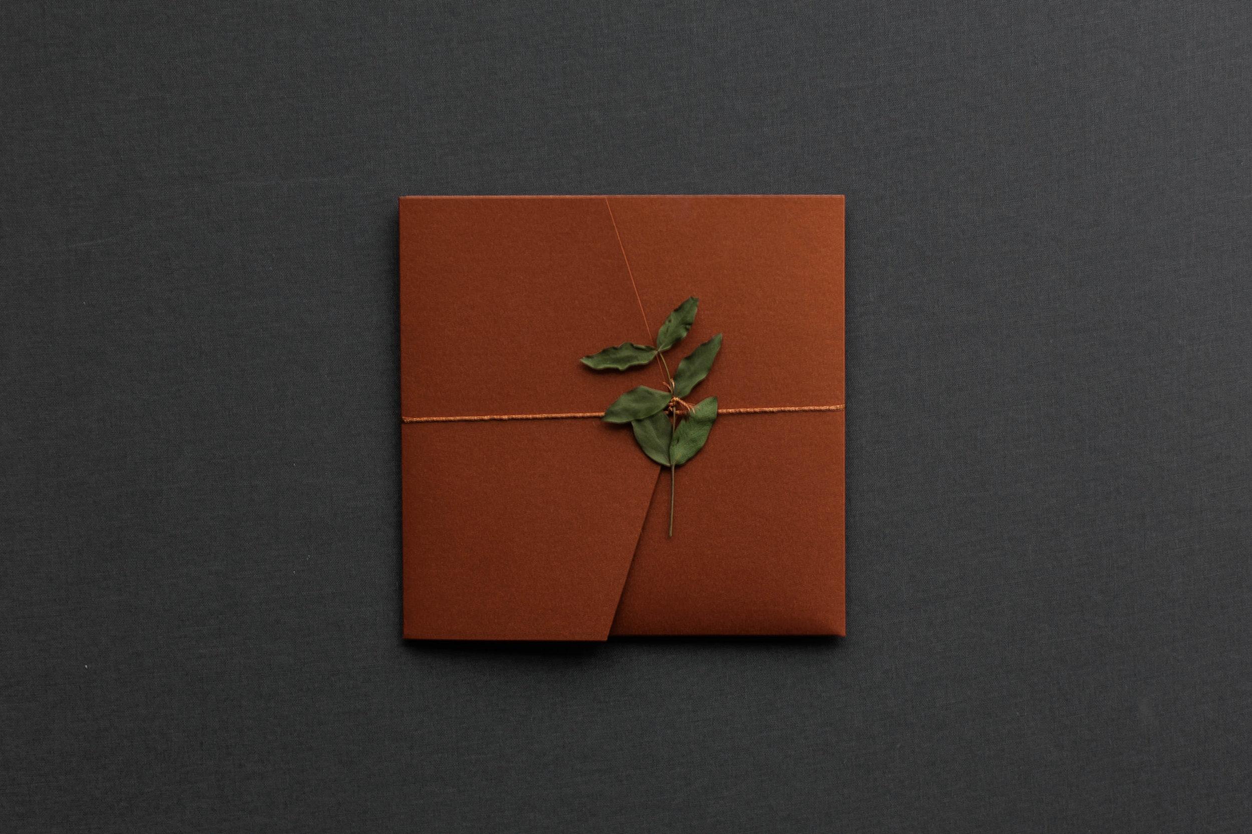 Pocketfold Einladung Kupfer mit Kupferband und Eukalyptus