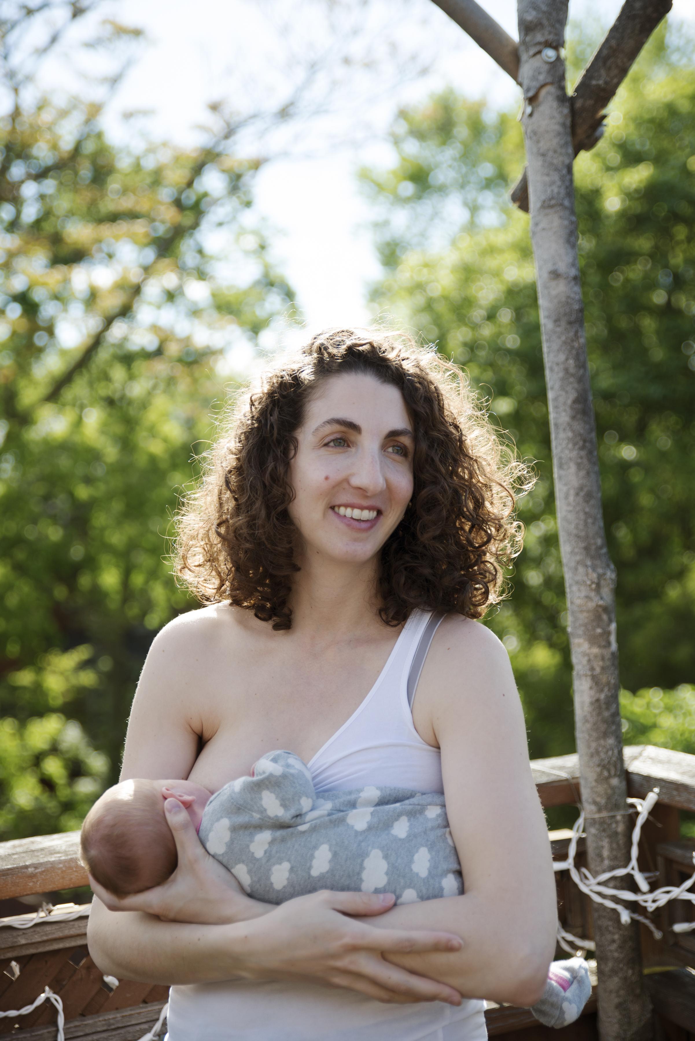RosewoodWeddingPhotos-Newborn-Toronto-Documentary-DocumentaryNewborn-TorontoNewbornPhotographer-Lifestyle-Breastfeeding-NormalizeBreastfeeding