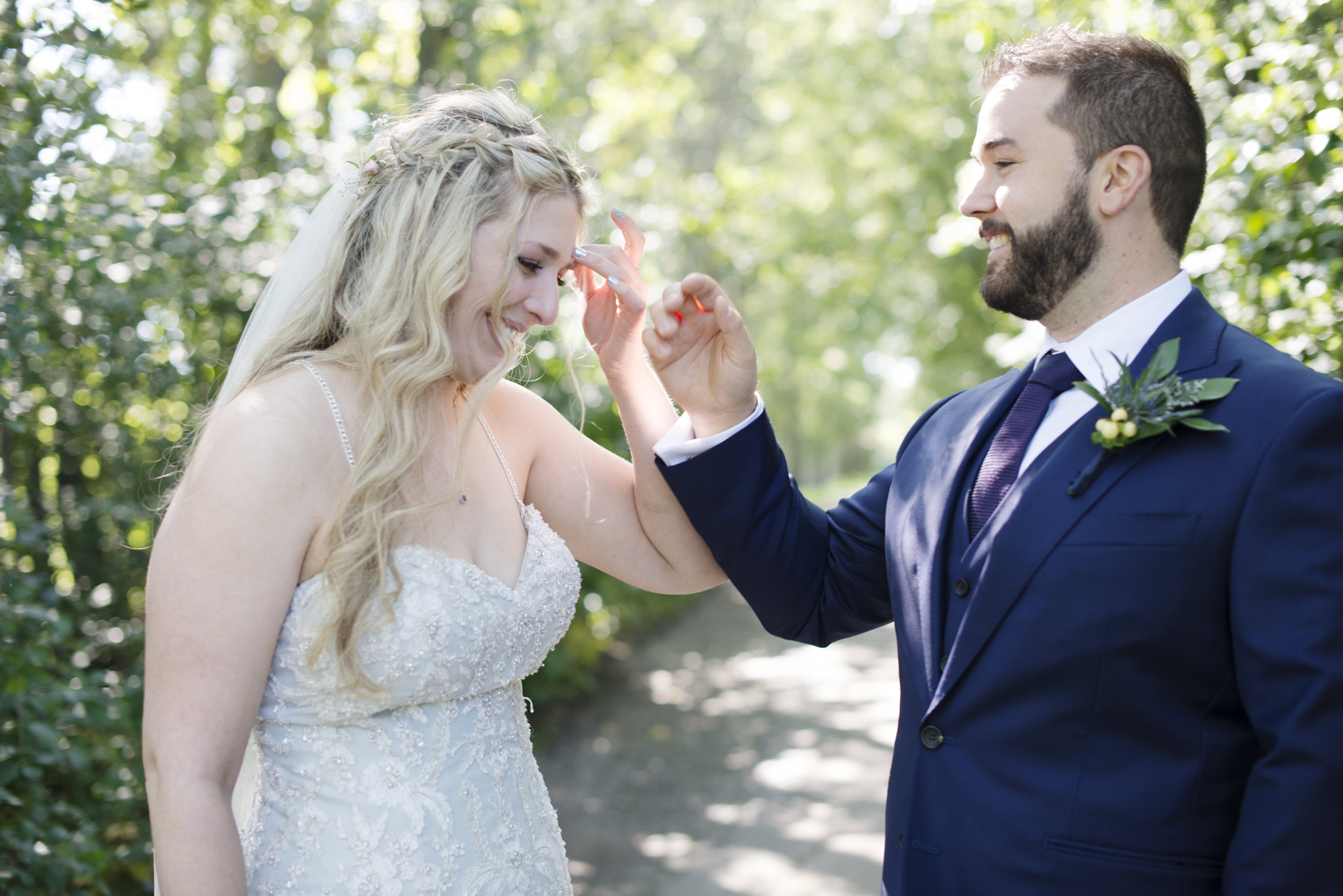 RosewoodWeddingPhotos-TorontoWeddingPhotographer-DocumentaryWeddingPhotographer-KingCity-KingValleyGolfClub-CouplePortraits